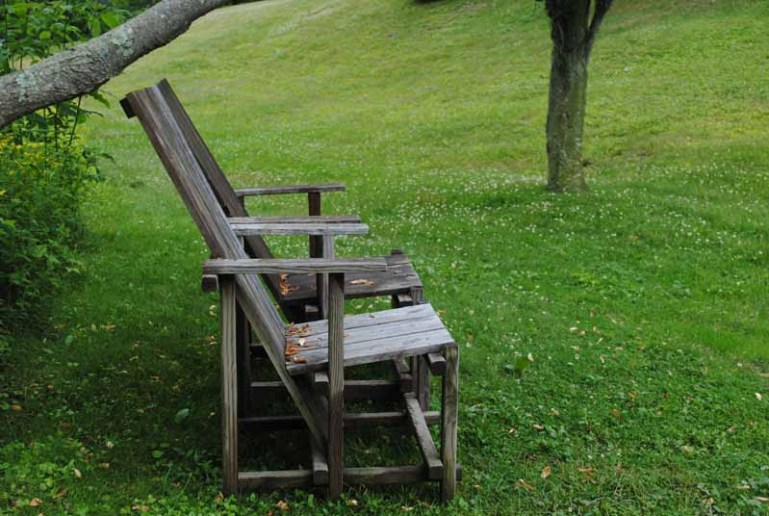 the chairs of innisfree garden - Innisfree Garden