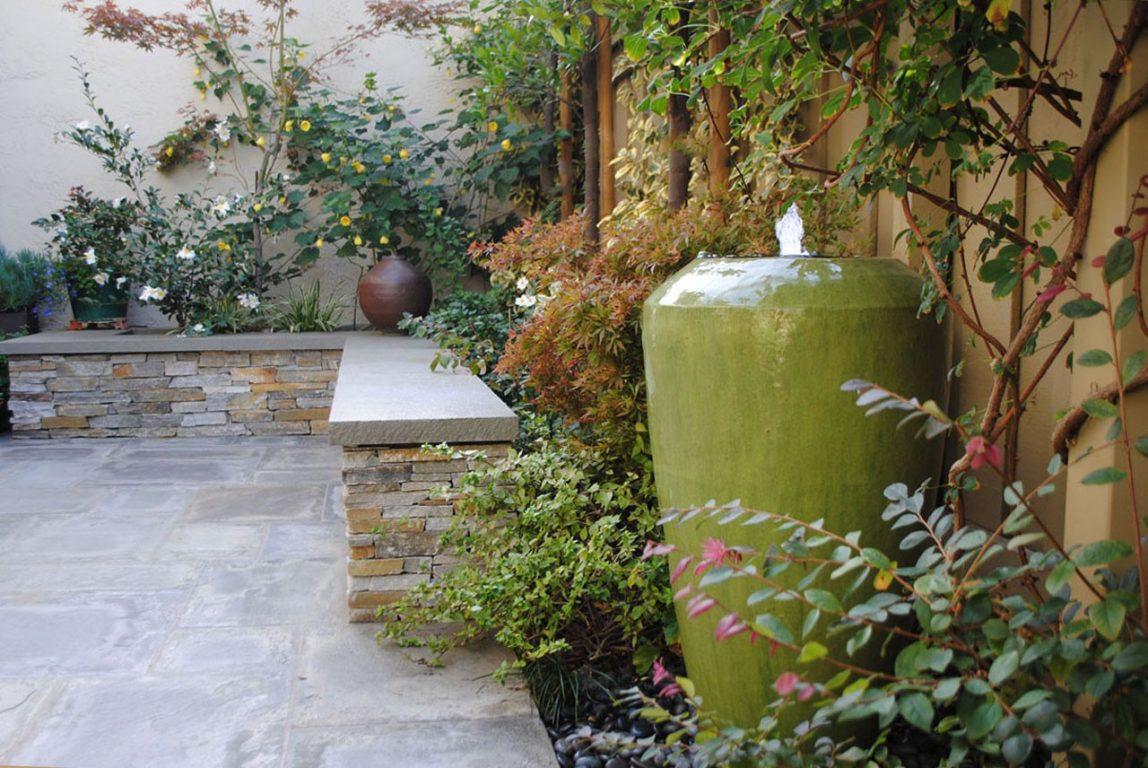 Jewelbox Courtyard07
