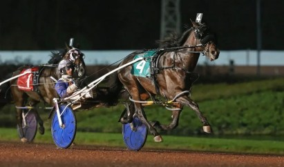 Claus Andersen Captain Crunch (Scott Zeron) won the freshman pacing colts' Crown in 1:51.3.