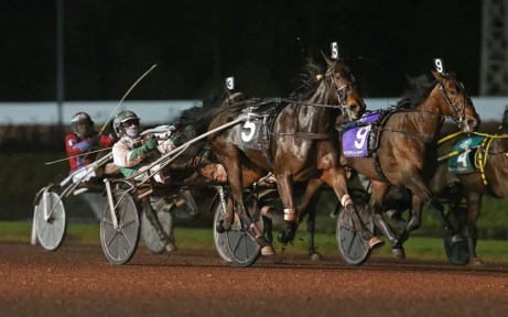 Claus Andersen It was back-to-back Breeders Crown mare trot victories for Emoticon Hanover (Dan Dube).