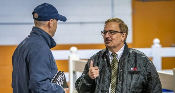 Triscari Video Web and Marketing | Standardbred Horse Sales Company president and CEO Dr. Pete Spears gives a big thumbs up for Monday's terrific sale numbers.