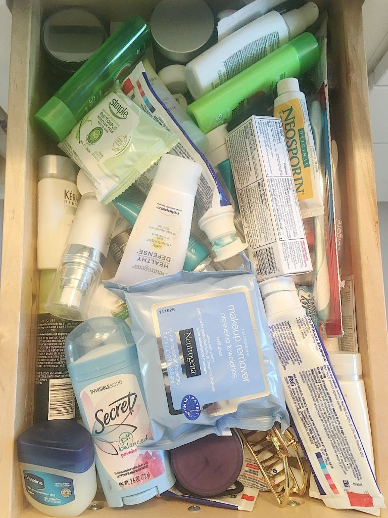 How to organize your bathroom drawers in less than 30 minutes