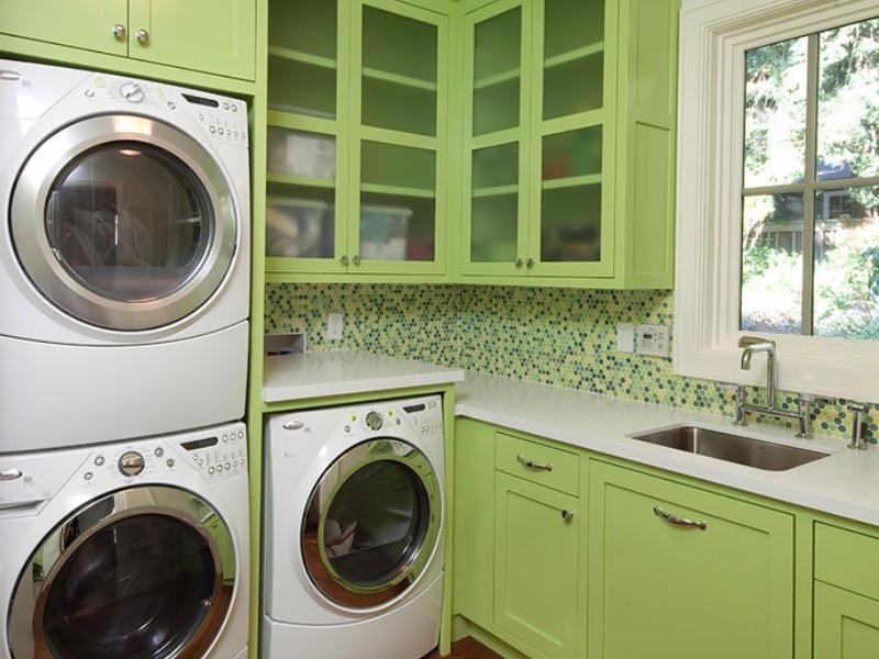 A Vibrant Laundry Room Color Theme Ideas