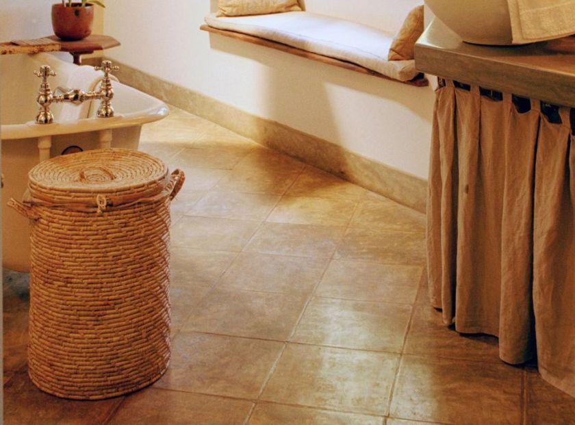 Diagonal Tile Looks Super in Small Bathrooms Ideas