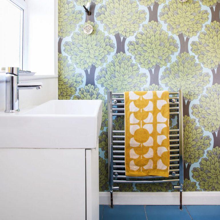 Small Bathroom Decor Ideas - Paper A Cloakroom for Small Bathroom Decor Ideas - harpmagazine.com