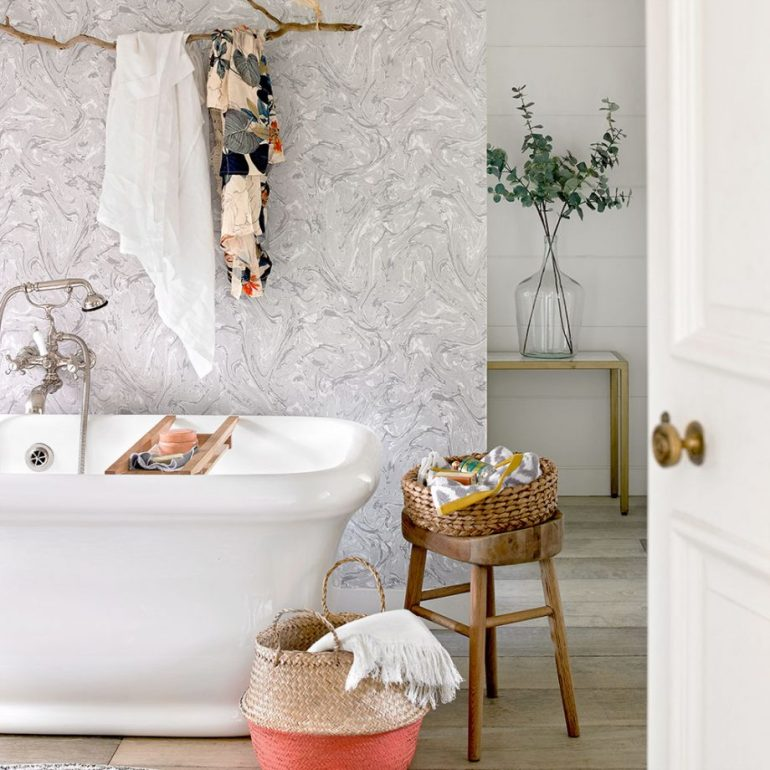 Small Bathroom Decor Ideas - Go for Mobile and Multifunctional Furniture - harpmagazine.com