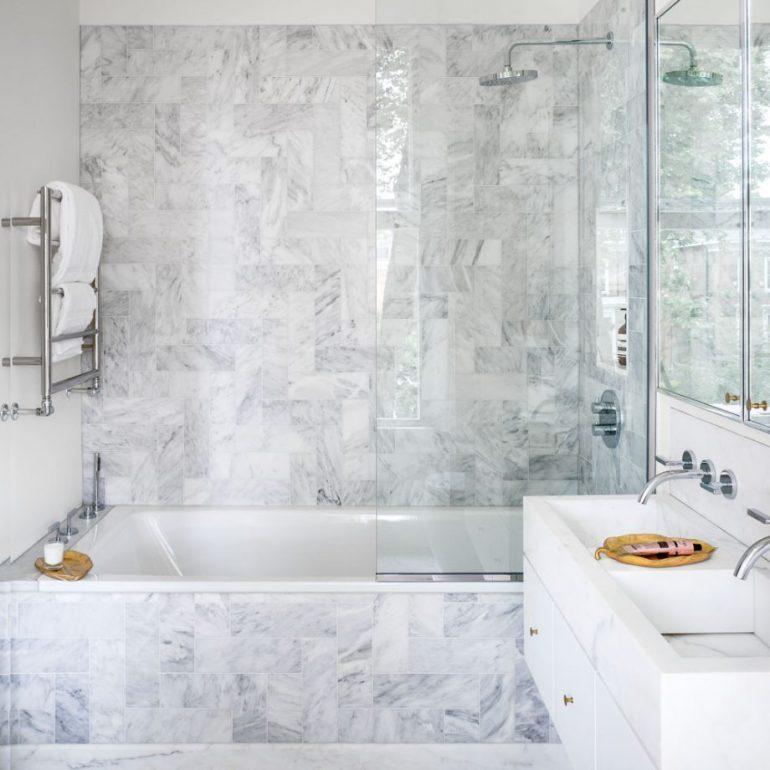 Small Bathroom Decor Ideas - Trick the Eye Small Bathroom Design Ideas - harpmagazine.com