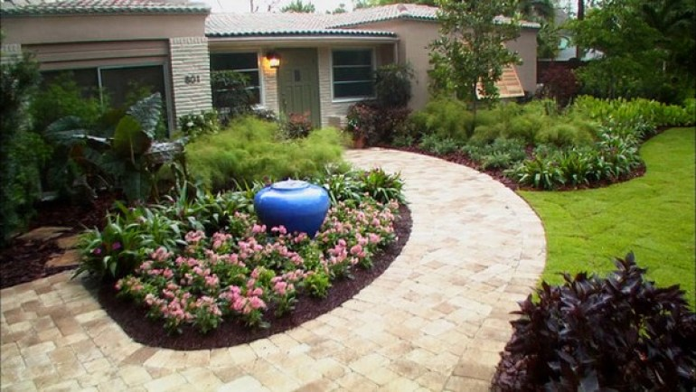 Front Yard Landscaping Ideas Around Residence
