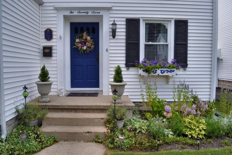 Small Tiny Front Yard Landscaping Ideas