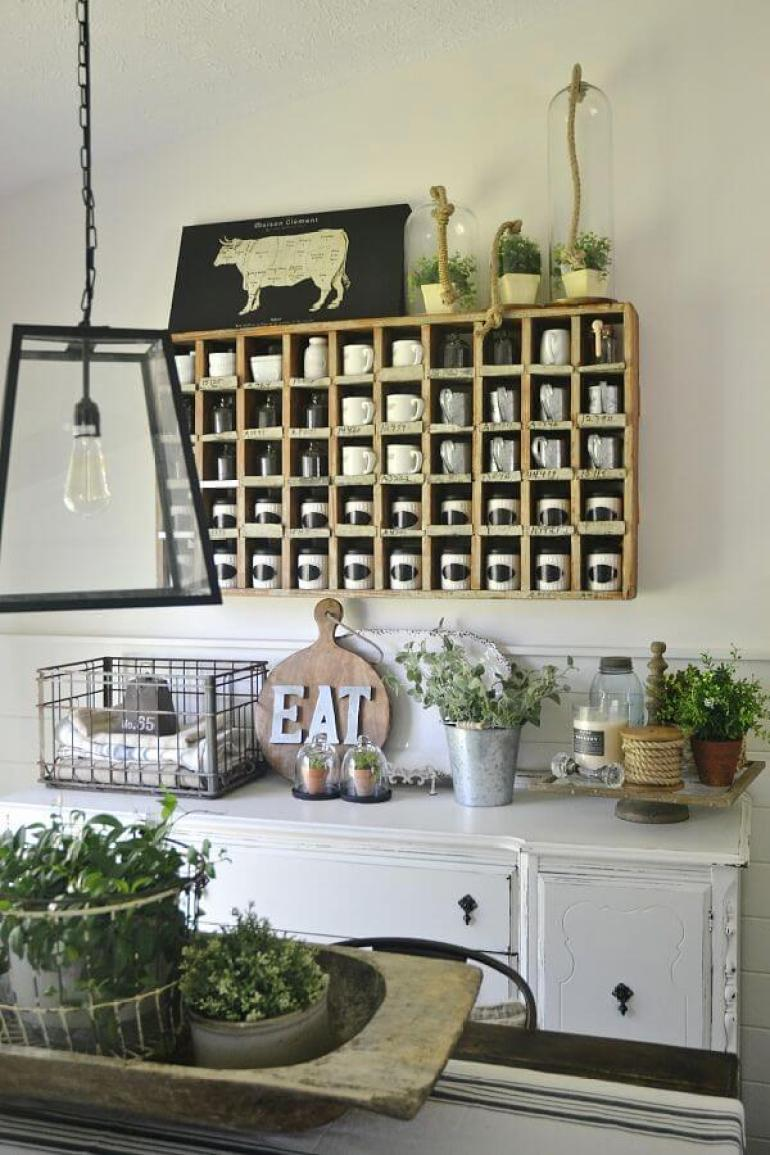 Old Farmhouse Dining Room Wall Decor with Beauty and Functionality - harpmagazine.com