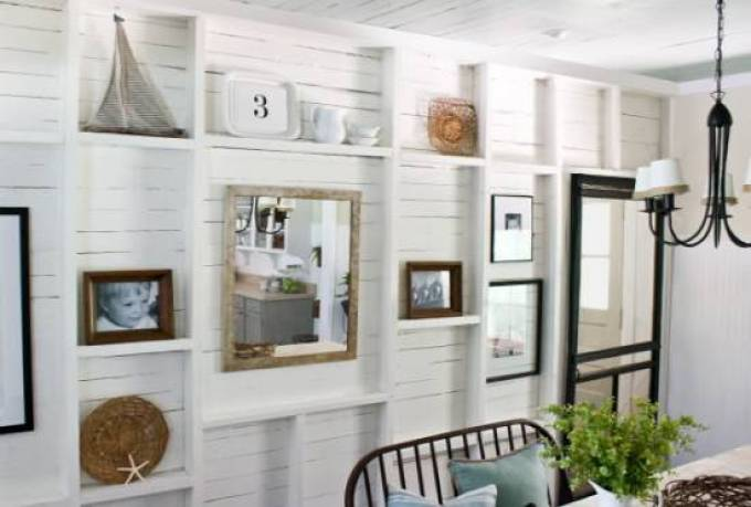 Dining room wall decor - Textured Gallery Wall Décor For Dining Rooms - harpmagazine.com