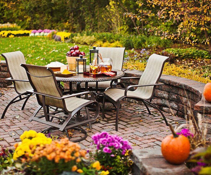 Backyard Landscaping Ideas - Sink Your Patio - harpmagazine.com
