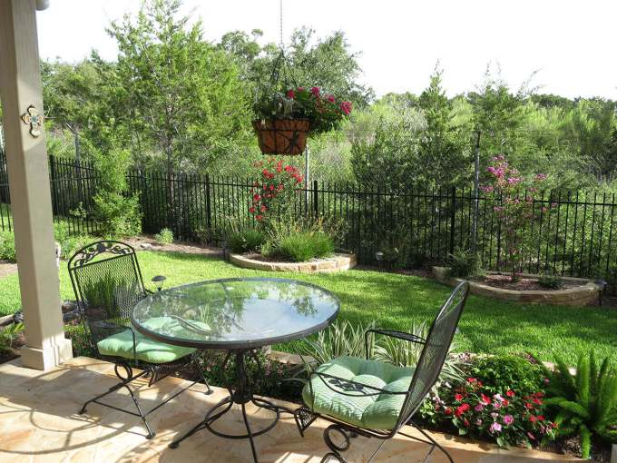 Backyard Landscaping Ideas - Small Patio for Two - harpmagazine.com