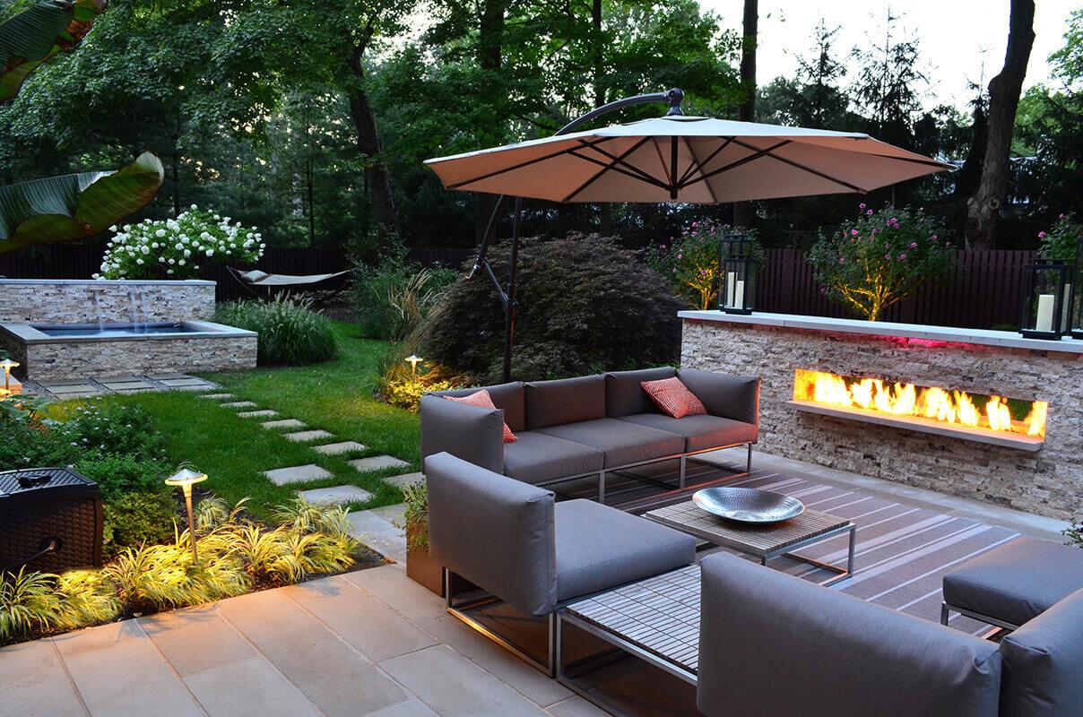 Backyard Landscaping Ideas: Outdoor Living Room