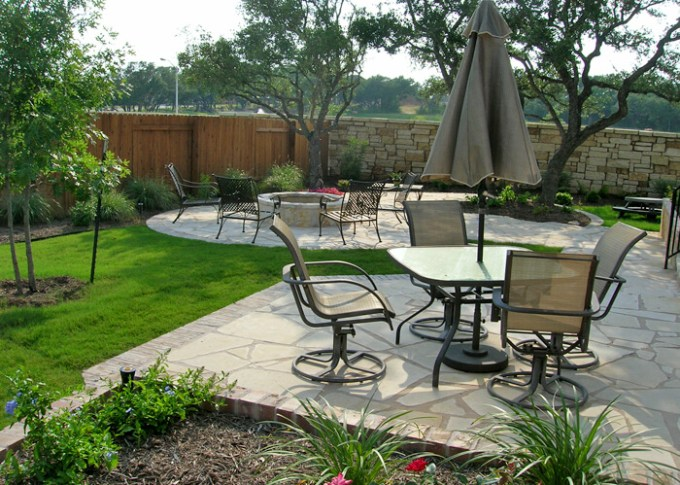 Backyard Landscaping Ideas - Built for Entertaining - harpmagazine.com