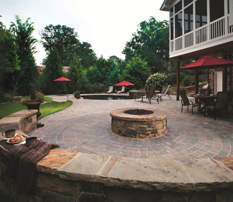 Paver Patio Ideas Inserting Circle Patterns into Paver Design - harpmagazine.com