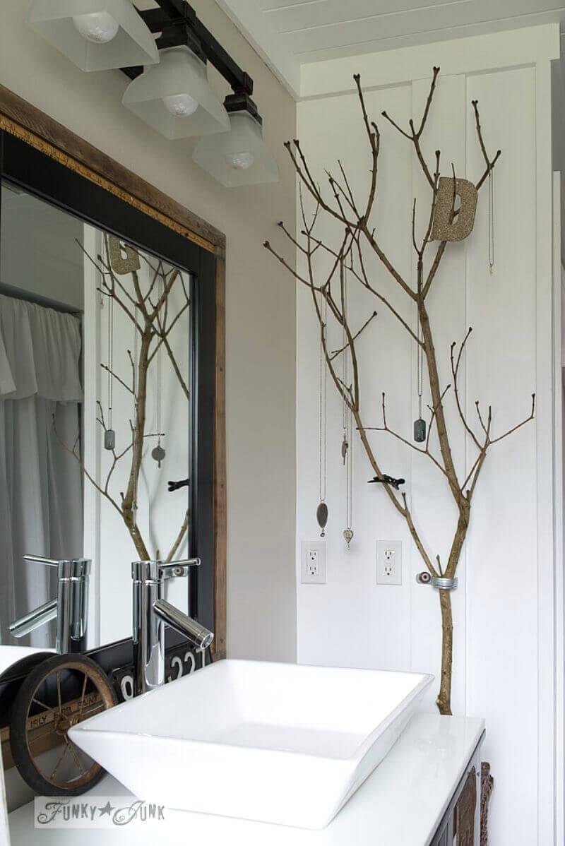 18. Ladder Display and Bathroom Organizer