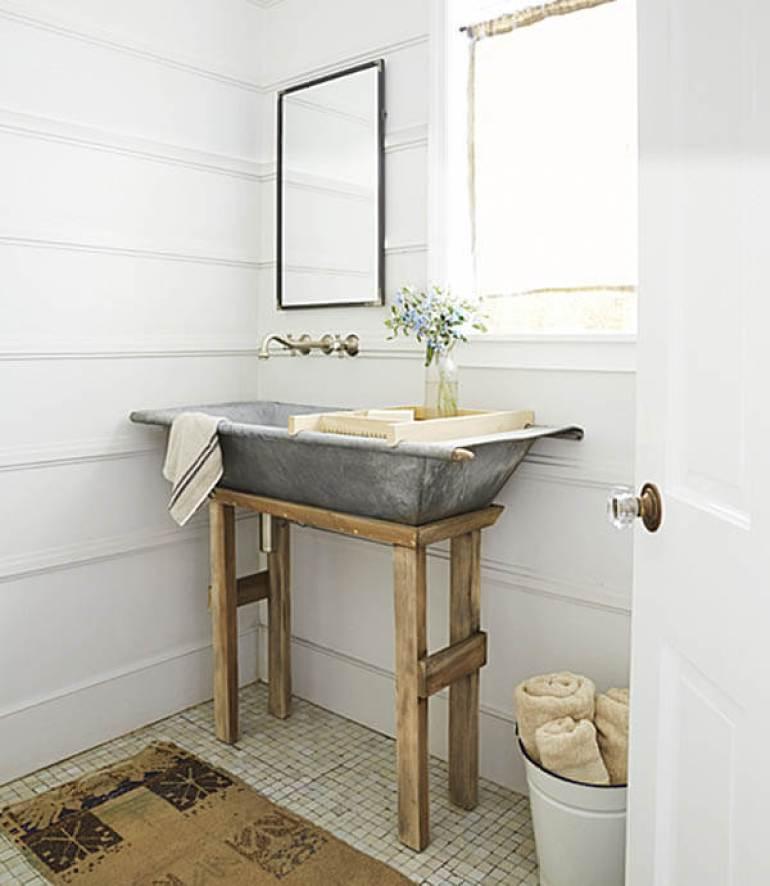 Farmhouse Bathroom Decor Ideas - DIY Galvanized Metal Tub Farmhouse Sink - harpmagazine.com