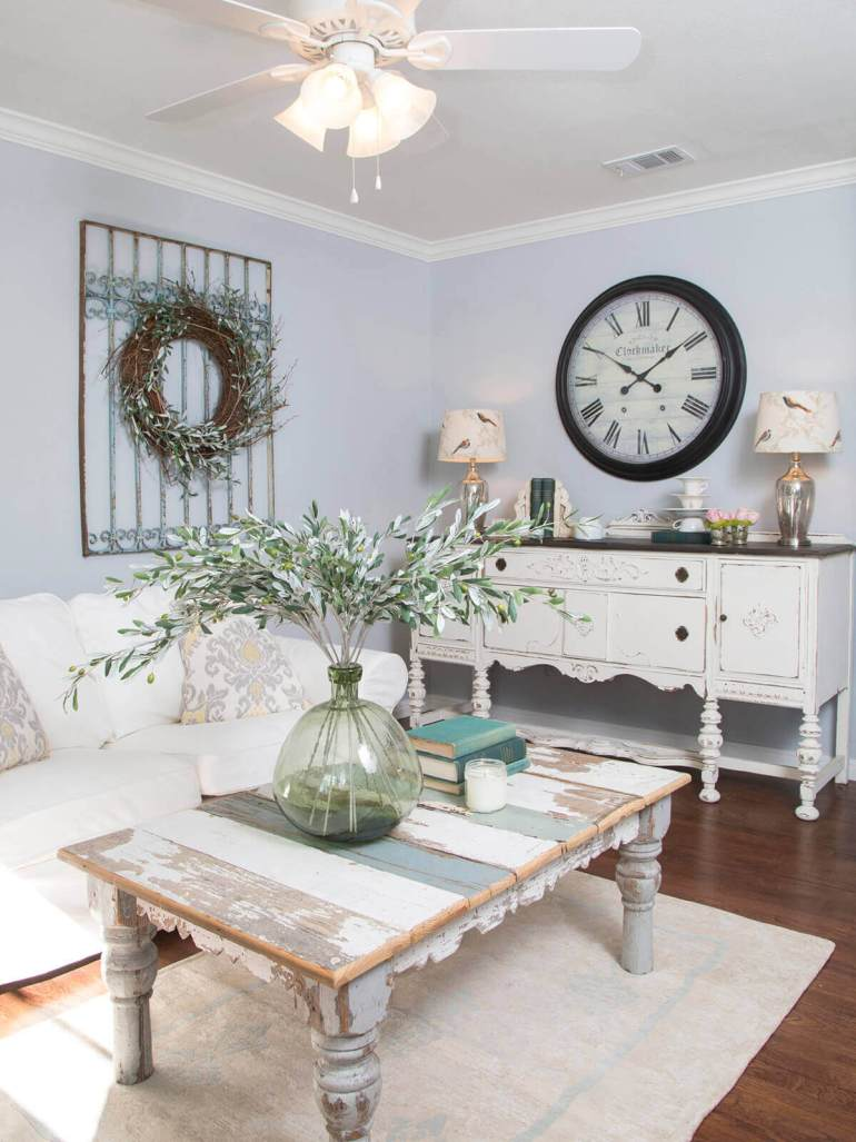 French Country Decor Ideas - Recycled Barnwood Coffee Table and Glass Vase - Harpmagazine.com