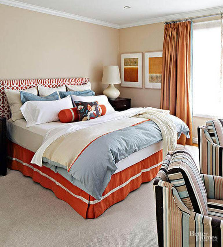 Small Master Bedroom Decor Ideas - Complementary and Chic - Harpmagazine.com