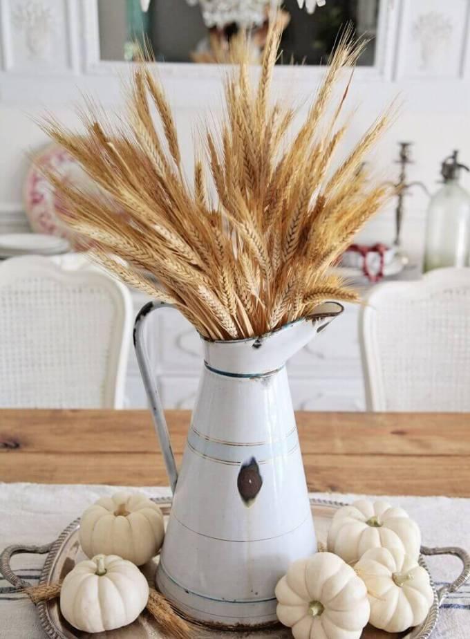 Farmhouse Kitchen Decor Design Ideas - Autumnal Centerpiece in Soothing Neutrals Color Palette - harpmagazine.com