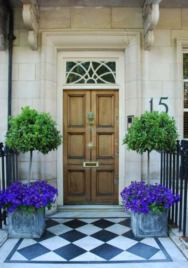 Front Door Flower Pots Ideas - Chic Flower and Tree Porch Pots - harpmagazine.com