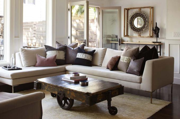 Rustic Chic Living Rooms Ideas - Rustic Wagon meets Elegance - harpmagazine.com