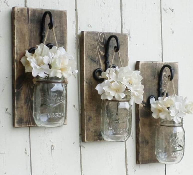 Farmhouse Kitchen Decor Design Ideas - Suspended Mini-Mason Jar Bud Vase Trio - harpmagazine.com
