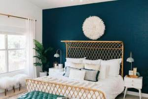 Bedroom Paint Colors The Luxurious of Gold and Turquoise