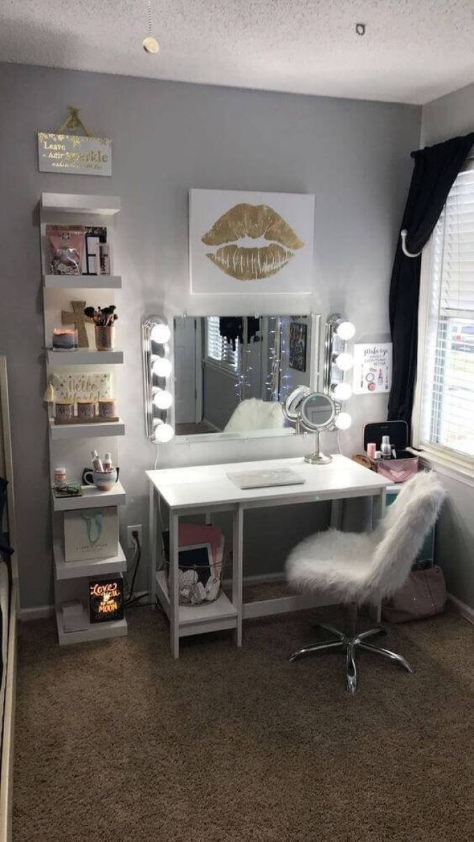 Cozy White Makeup Room Ideas - Harppost.com