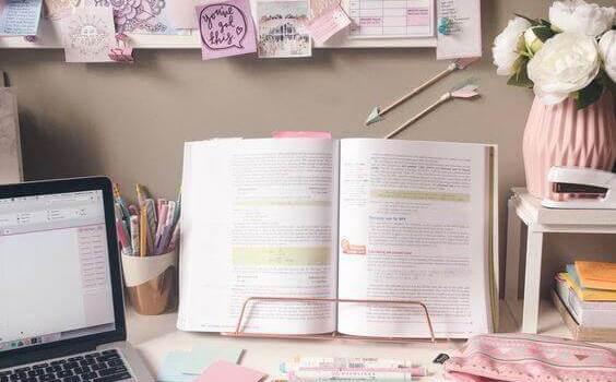 Girly Cork Board Ideas for a Girl Room