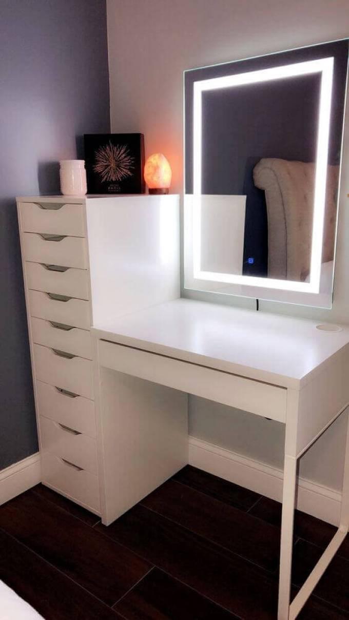 Modern DIY Vanity Mirror with LED Lights - Harppost.com