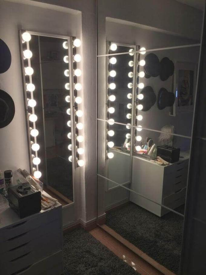 Simple DIY Vanity Mirror with Lights in an Awkward Space - Harppost.com