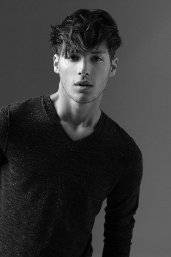 Top Medium Length Hairstyles Men - Medium Bangs Hairstyle with Fine Undercut - Harptimes.com