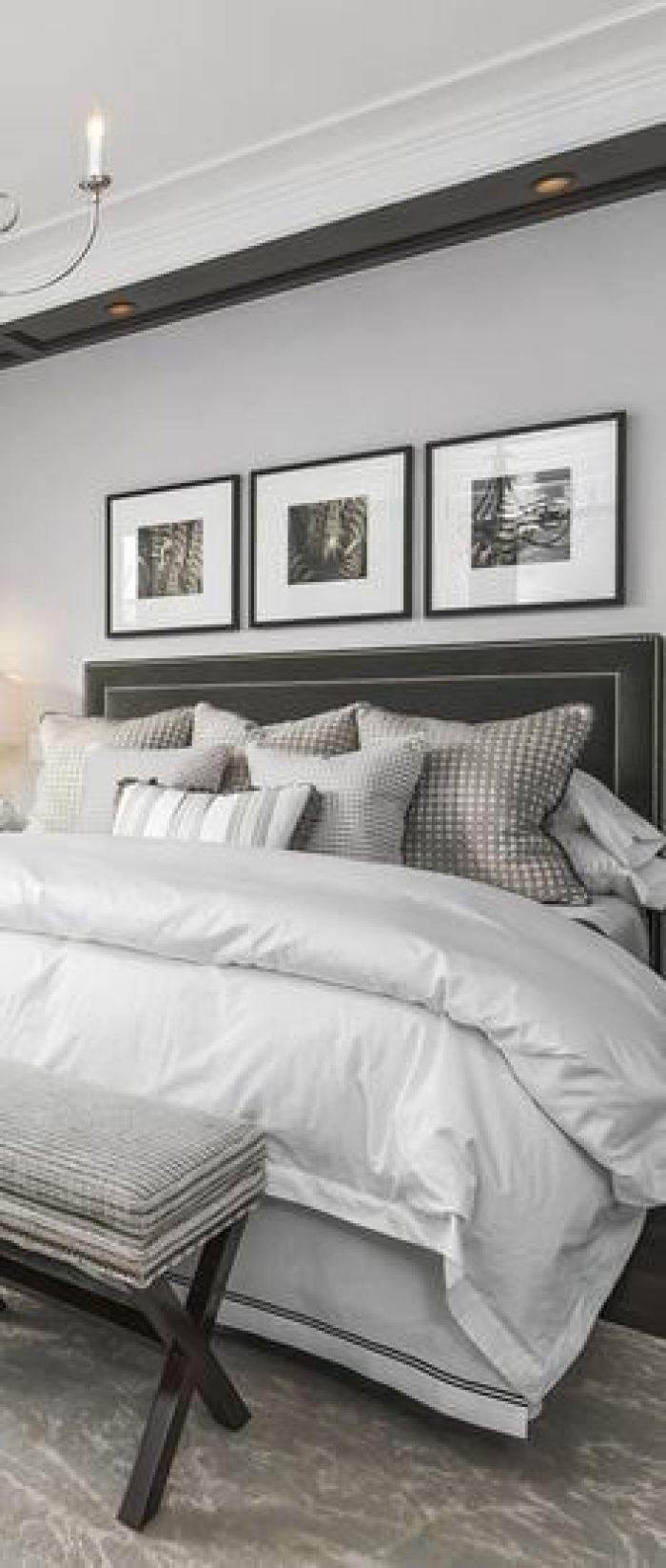 small master bedroom ideas with king size bed - 19. Classic Master Bedroom Minimal Decor - Harptimes.com