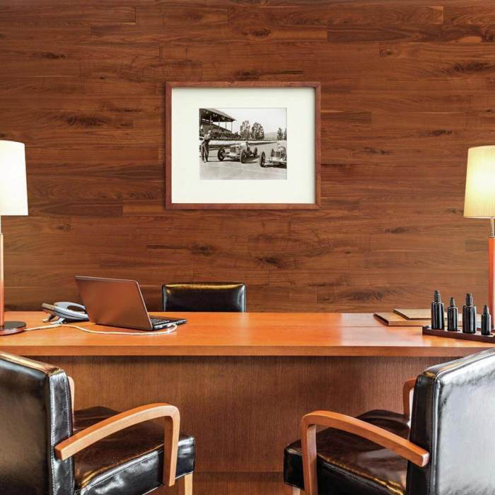 Elegant Wood Accent Wall Ideas for Office