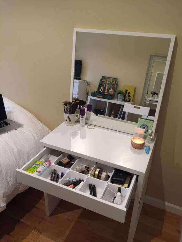DIY White Makeup Vanity Mirror with Lights - Harptimes.com