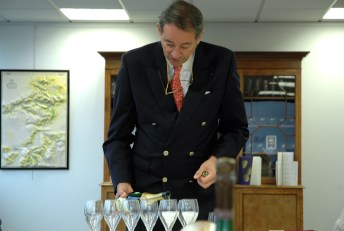 Bruno Paillard conducting the tasting