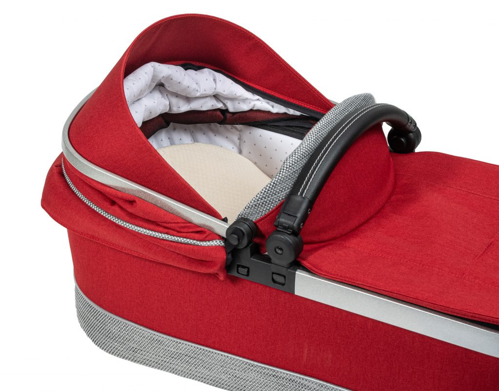 Hartan Mercedes-Benz carrycot detail in Hyacinth