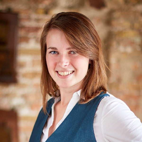 Joanne Dekker