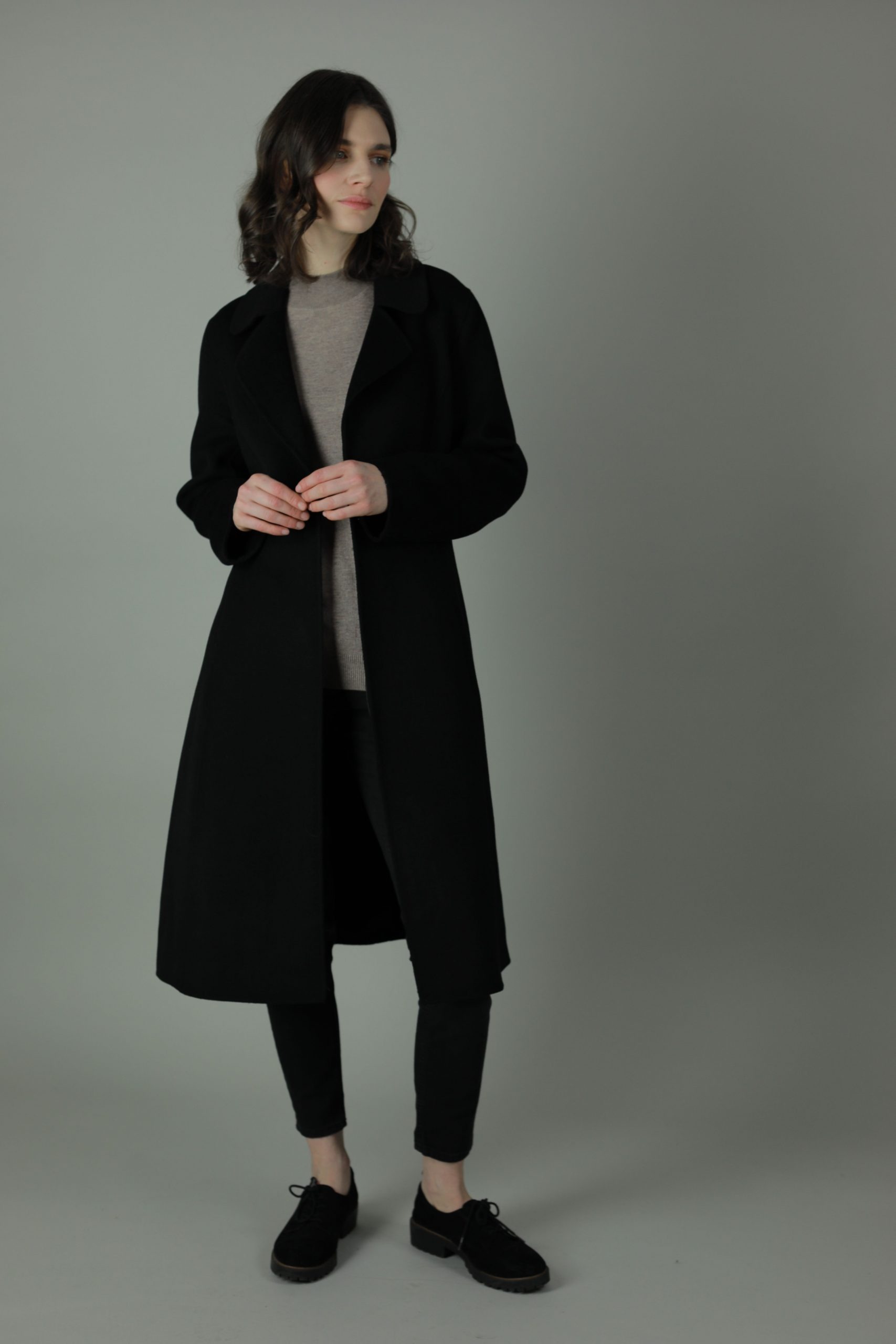 Luxury and warmth, the Cora Cashmere double-face coat is a non-compromiser. Any season, any occasion this iconic coat features 100% cashmere, collar ans waist belt for the perfect silhouette style.