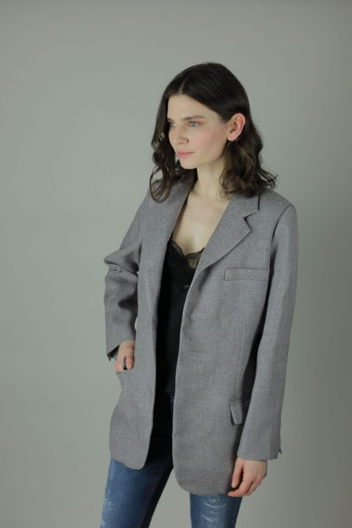 The Aisling linen effect Blazer is shaped to a classic fit with its open front for sophisticated look both dressed up or down.