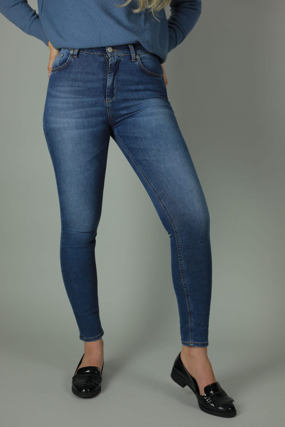 Our High waist Kaila collection are 98% cotton, 2% lycra jeans. Designed with quality in mind for the perfect fit and timeless style the Kaila Vienna is the perfect addition to your wardrobe year through year.