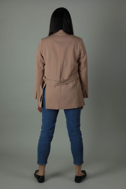 The Rosa Blazer is shaped to a classic fit with its open front for sophisticated look both dressed up or down.