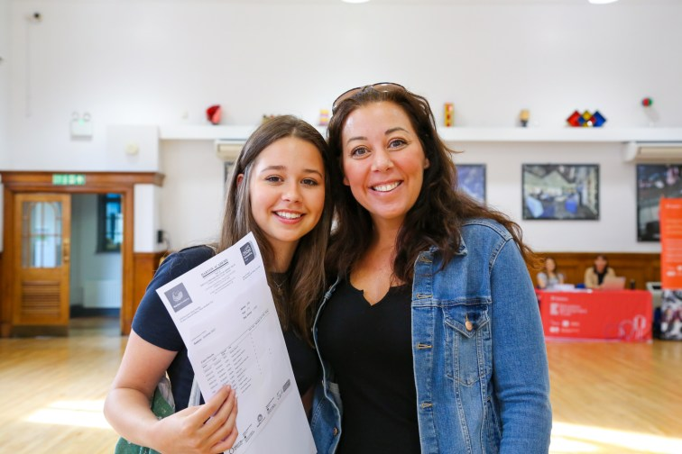 GCSE Results Day 2021_--4