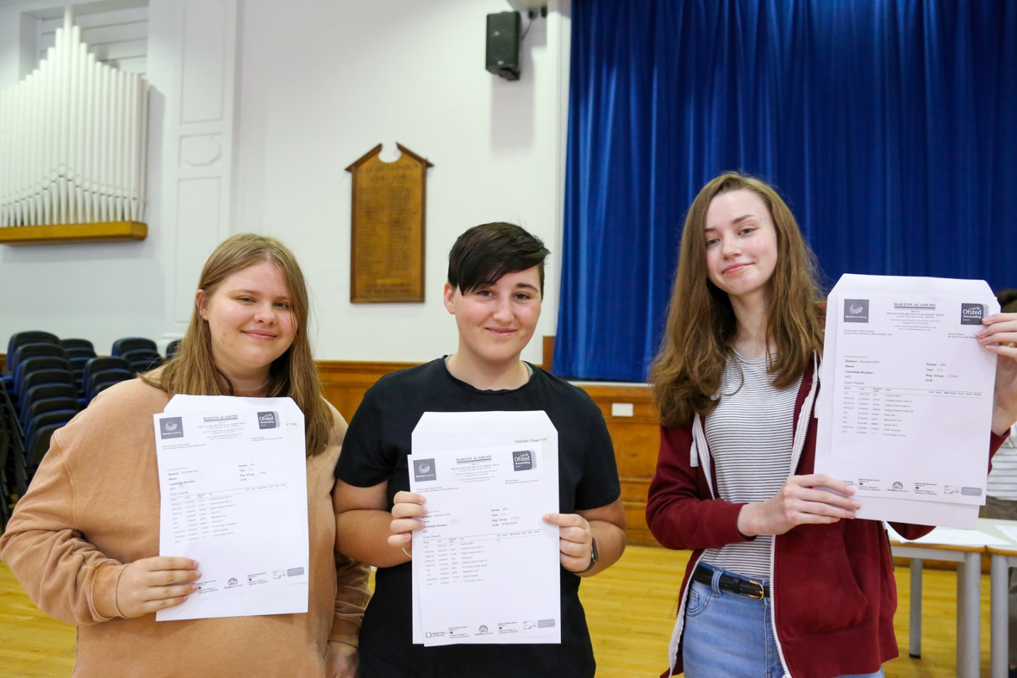 GCSE Results Day 2021_--13