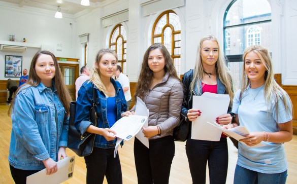 GCSE Results Day 2017 - -6