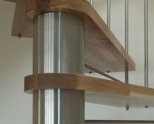 Close up of Oak Elite Stair Tread