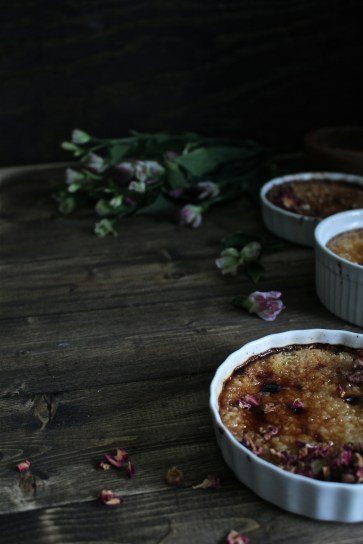 https://harvestandhoney.com/2015/11/18/autumn-in-new-york-and-a-maple-pumpkin-brown-sugar-creme-brulee-with-toasted-pecans/