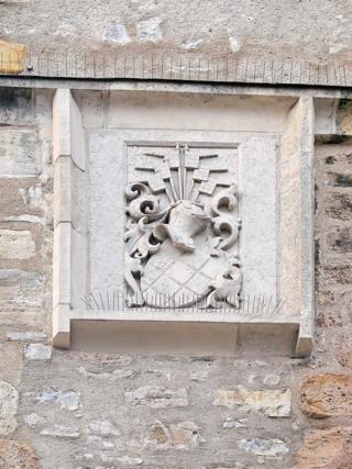 Bild: Wappen am Johannistorturm in Aschersleben.